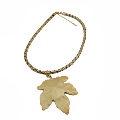 Colar Semi Jóia Dourado Folha de Uva